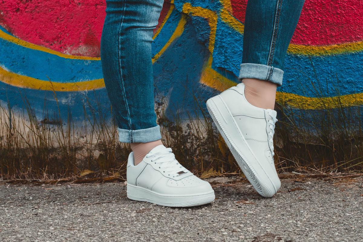 Sei alla ricerca di un paio di scarpe di tendenza  Non ti preoccupare   siamo qui per elencarti i principali trend del 2019. I modelli di tendenza  saranno ... 3318b60b6a1