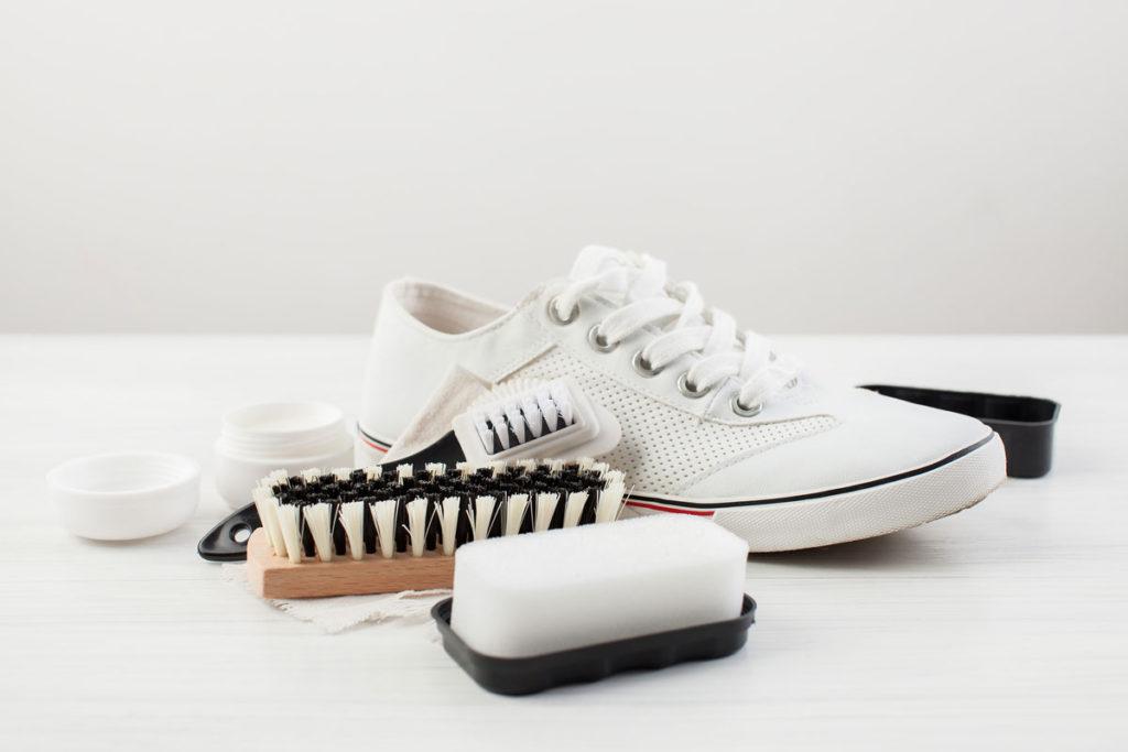 Partiamo per le vacanze con un paio di scarpe comode per